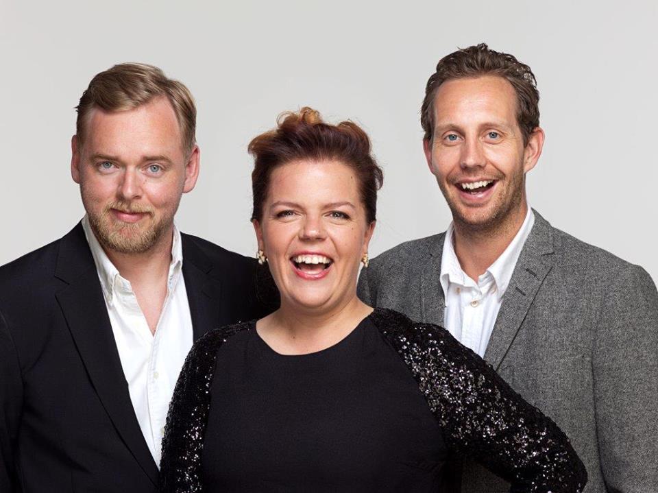 Humorveteranene Steinar Sagen, Else Kåss Furuseth og Morten Ramm lagde show i Kilden på fredag. (Foto: Pressefoto).