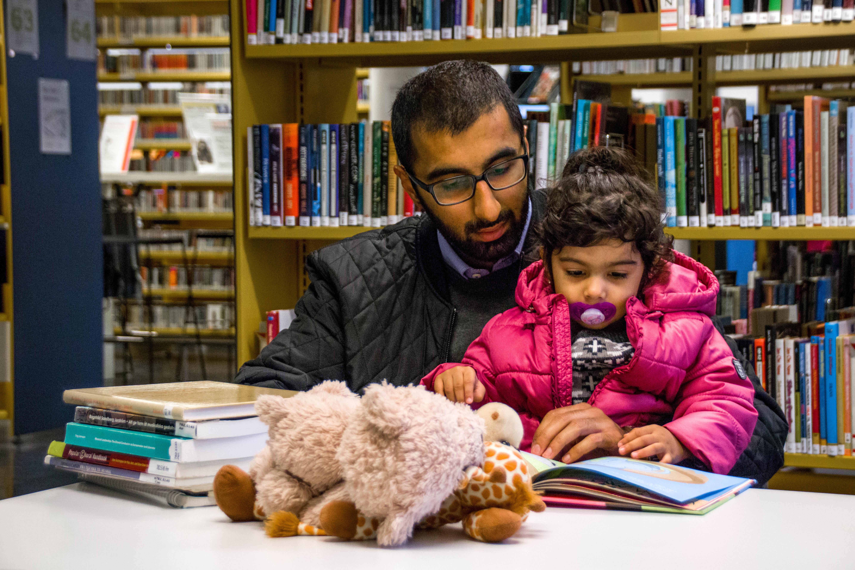 Anbefaler medstudenter å få barn: – Det er ikke vits i å vente