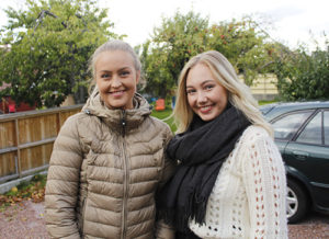 Mari Vaage og Sara Martinsen er positive til studentboligene, men vil ikke at de skal komme på bekostning av naboene.
