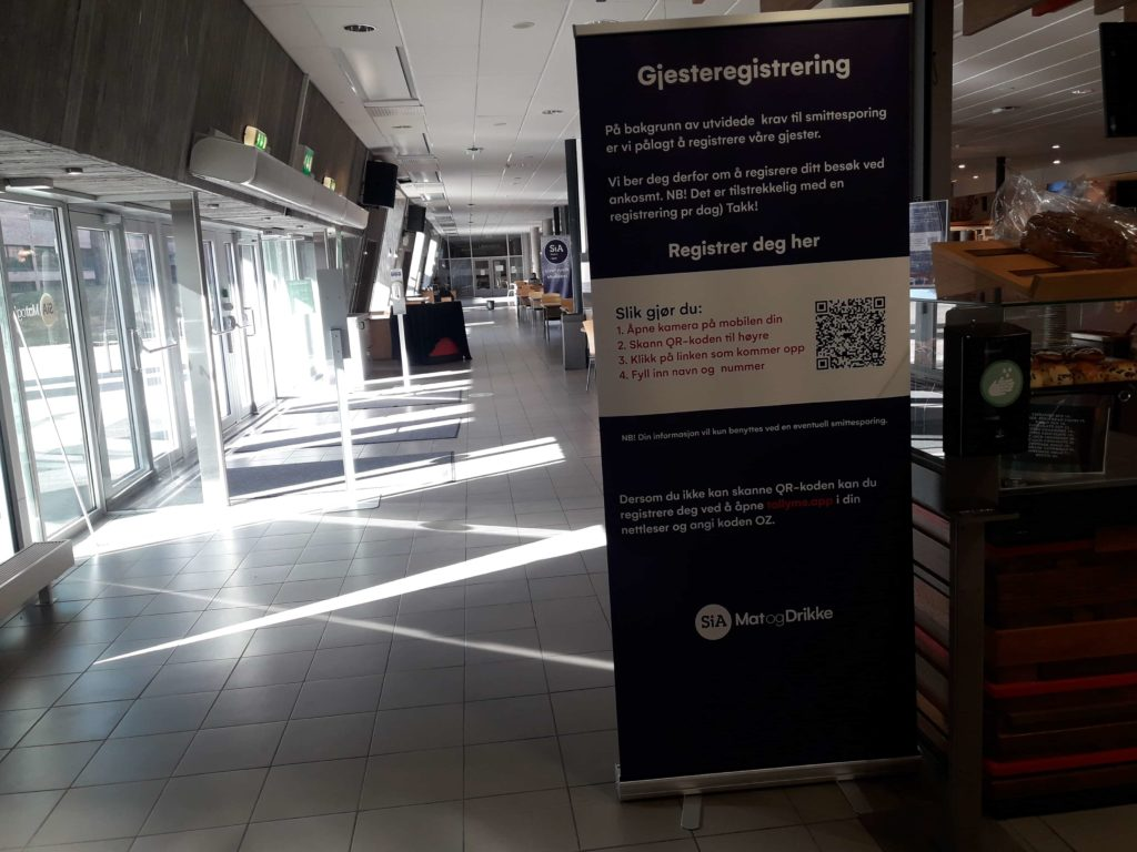 Roll-up i kantina UiA informerer om smittesporing