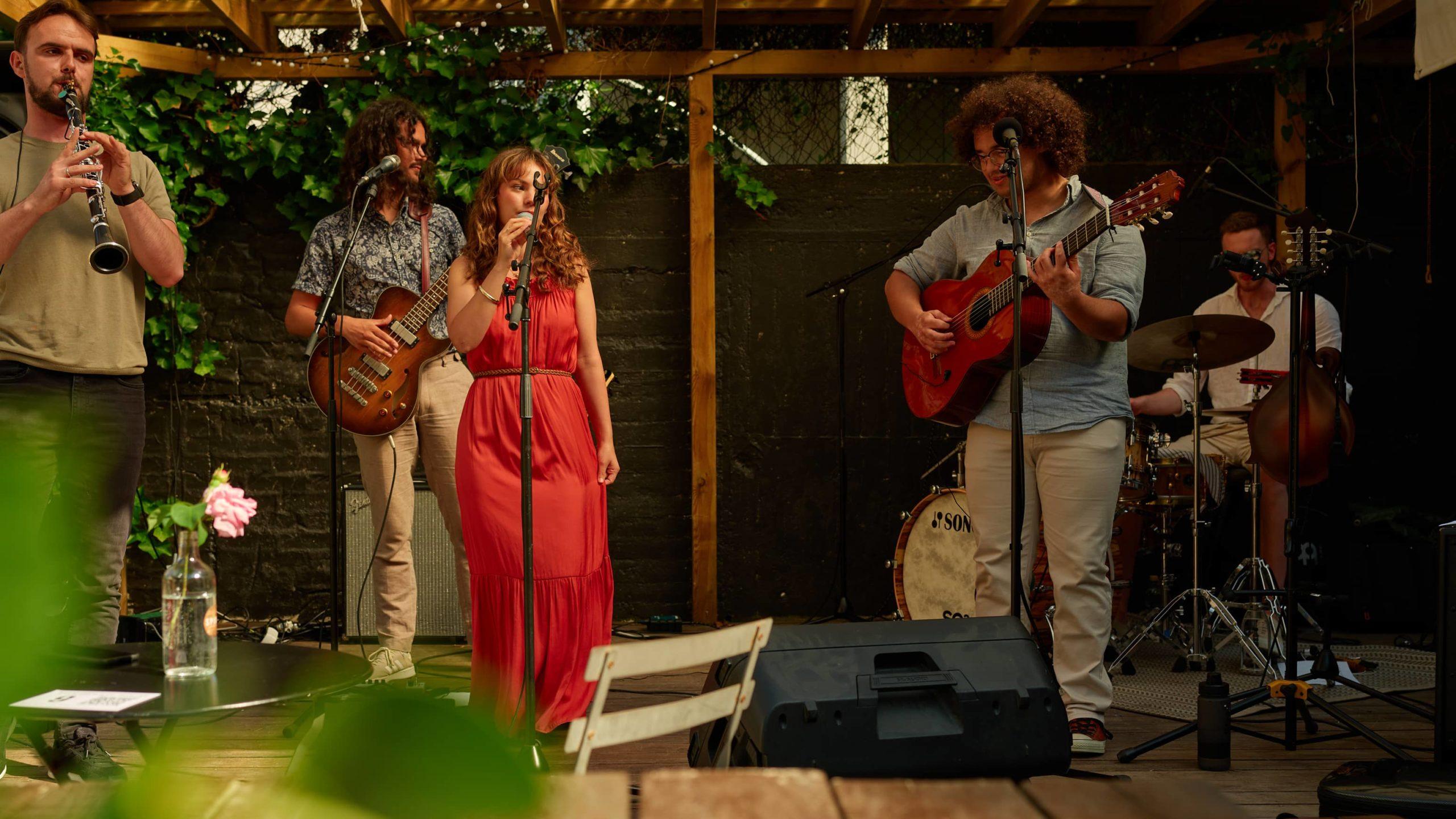 Sommerkonsert musikkstudenter almbumslipp spiregården bakgårdscafé