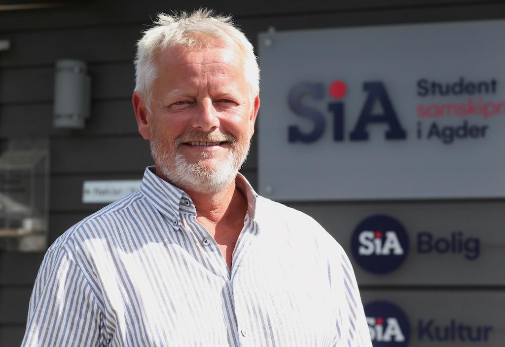 Blid fyr foran SiA logo