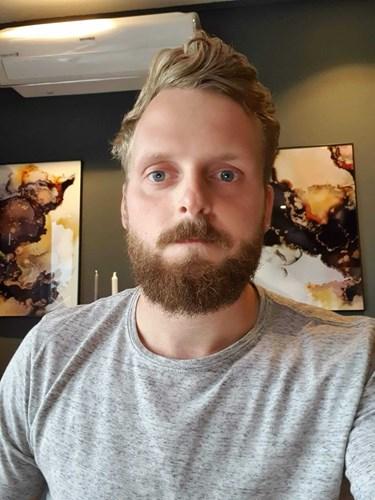 Selfie av en fyr med skjegg